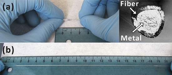 O tubo de polímero é preenchido com metal líquido, mesclando elasticidade e condutividade.