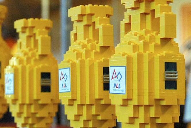 Robo-lego-20121208161109