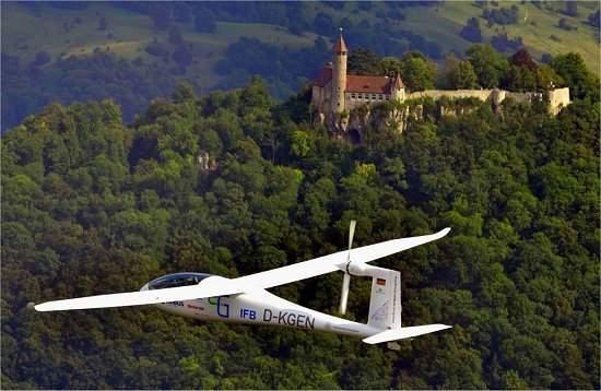 010170131009-e-genius-aviao-eletrico