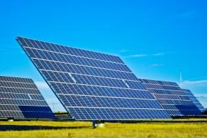 À medida que a China e o Japão se destacam no fornecimento sustentável de eletricidade, a Bloomberg New Energy Finance projeta que 46 gigawatts serão gerados