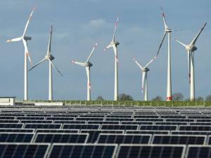 size_590_eolica-solar