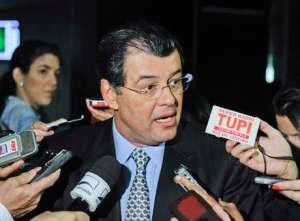 eduardo-braga-novo-ministro-de-minas-e-energia-foto-marcos-oliveira-agencia-senado-05-02-2014201402050001