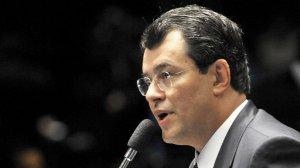 senador-eduardo-braga-brasilia-20110323-size-598